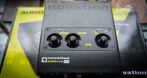 Novation-Audiohub-2x4---3