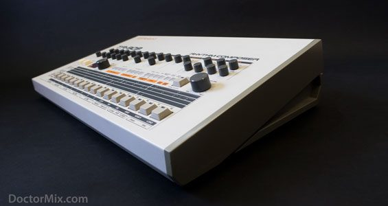 TR-909 12-565-W