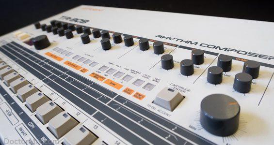 TR-909 14-565-W